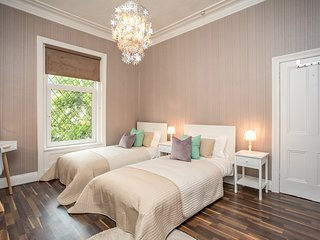 Beautiful Exclusive Victorian House with High Ceilings