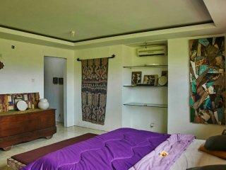 Oman Room, Art furniture
