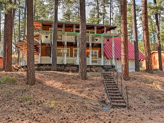Secluded Ruidoso Cabin w/ Forest Views & Porch!