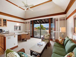 Tropical Poipu Style! Kitchen Ease, WiFi, Lanai, Ceiling Fans, Flat