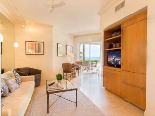 ASK FOR DISCOUNT - Luxurious Oceanfront Suite on Fisher Island w/Golf Cart
