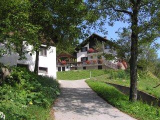 Koren Apartments sleep 8, BBQ, 2 balconies riverside