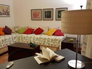 La Casa dei Miti e un appartamento di 2 camere a pochi passi dalla via Etnea