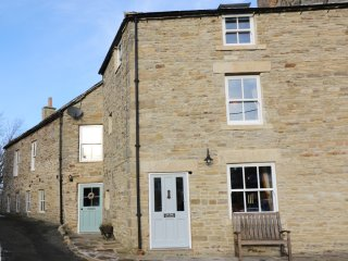 THE DALE TOWNHOUSE, woodburners, exposed beams, open plan, in Allendale, Ref.933
