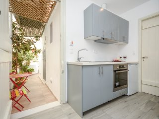 Naxos  apartment for 6, 50m from the beach