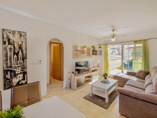 Fantastic remodeled and quiet apartment across the street from VillamartinPlaza