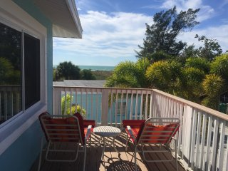 STUNNING GULF VIEWS+STEPS TO MOST SOUGHT AFTER BEACH+PEACEFUL NORTH END