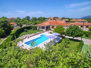 4 bedroom Villa with Pool, Air Con and WiFi - 5364786