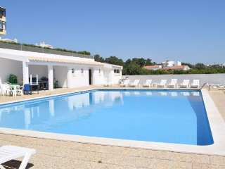 Smiths Orange Apartment, Olhos de Agua, Algarve