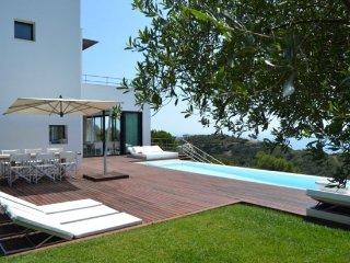 Begur Villa Sleeps 10 with Pool Air Con and WiFi - 5246743
