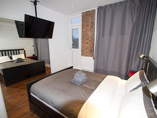 Private Bedroom with En-Suite in Central London