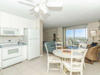 Top Floor Condo with Sweeping Views! Well-Appointed, Steps to Beach, Free WiFi,