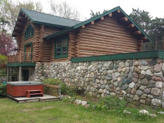 A Hidden Pines Log Cabin