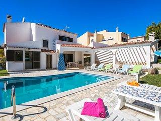 Villa Fortuna, 4 bedroom villa with private pool in Vilamoura