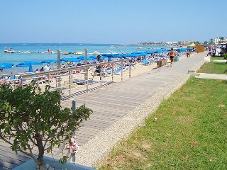 Protaras Pedestrian Promenade only  a 3 minute walk from the apartment!!!