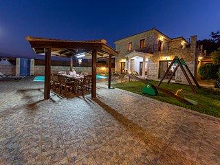 Villa Agios Haralambos, Lysos