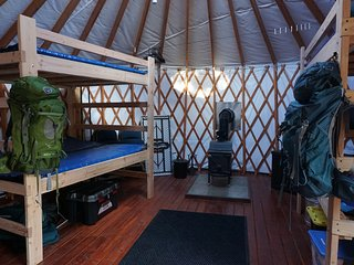 NEW Yurt! Snowshoe or ski and relax by a warm wood stove while playing games!