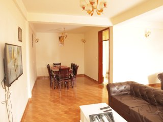 6 bedroom furnished house with Wi-Fi for rent