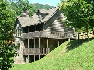Ponderosa close to Dollywood with Free Wi-Fi