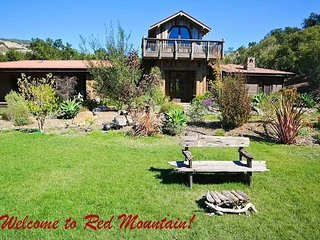 Unequaled 4BR Lodge w/ Gourmet Kitchen, Organic Orchard, Fireplaces & Sauna