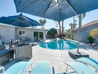 Stylish 3BR w/ Large Private Pool, Covered Patio, Grill & Mountain Views