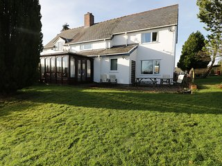 LLETTY, en-suite, countryside views, Newtown 7 miles, Ref 966939