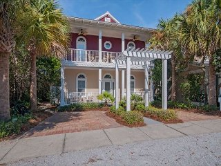 POSITIVE VIBRATIONS!OPEN 5/20-5/26 ONLY $2000 TOTAL!WALK TO ROSEMARY BEACH