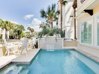 GORGEOUS CONTEMPORARY BEACH HOME! PRIVATE POOL! OPEN 3/10-17!
