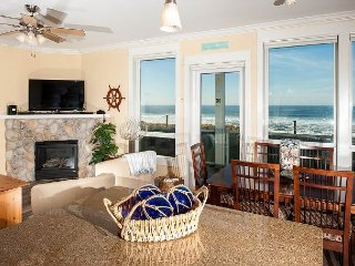 Tidal Treasure - Oceanfront Condo, Private Hot Tub, Indoor Pool, Wifi & More!