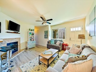 Gorgeous Condo, Steps to the Beach, Pier, Shops & More!