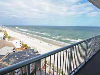 Oceanfront condo w/amazing views, shared pools & hot tubs, extra large balcony