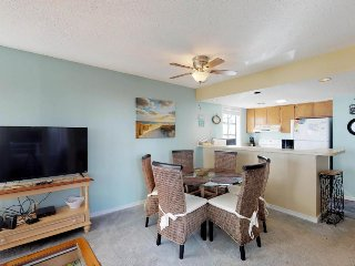 Condo near the beach w/shared pools, hot tub, sauna, tennis, playground & more