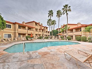 Condo w/Balcony & Shared Pool-14 Mi to DT Phoenix