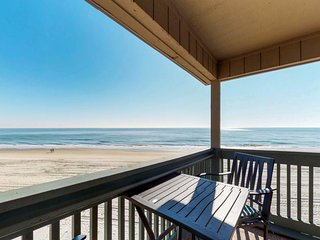 Oceanfront home w/ shared pool, amazing views - immediate access to the beach!