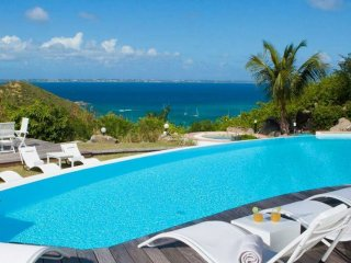 Villa Caye Blanche 5 Bedroom (Caye Blanche Is The Perfect Vacation Setting For