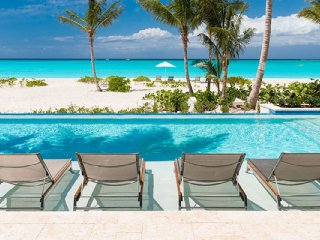 Villa Hawksbill Beach Front Located in Tropical Grace Bay with Private Poo