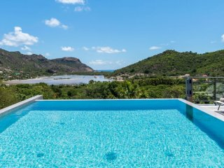 Villa Harry  - Near Ocean :: Located in  Exquisite Salines with Private Pool