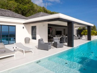 Villa Rose Dog  # Ocean View # Located in  Fabulous Deve with Private Pool
