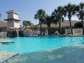 Waterfront townhome w/ shared pool, bay views, and nearby park & beach! Dogs ok!