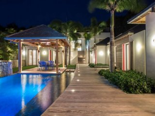 Villa Angelique  (Ultra Modern Offers Exceptional Comfort.)