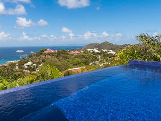 Villa Vague Bleue  * Ocean View # Located in  Tropical Lurin with Private Pool