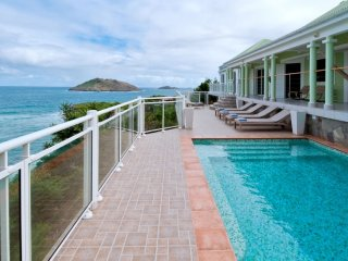 Villa Ushuaia  (This Spacious And Very Private Villa Overhangs The Ocean And The