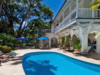 Villa Calmaro  (Beachfront Luxury In Barbados.)