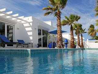 Coral Beach Club - Corinne 2 Bedroom SPECIAL OFFER (Terrace Is Furnished In