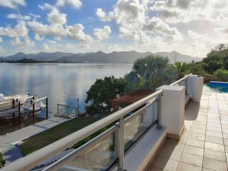 Villa Amaryllis  ^ Waterfront :: Located in  Wonderful Simpson Bay with Private