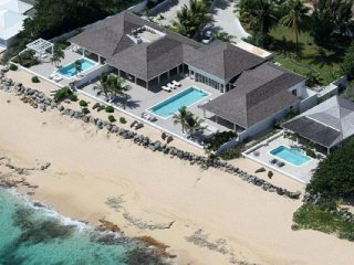 La Perla Estate 5 Bedroom (Located On One Of The Most Coveted Stretches Of Beach