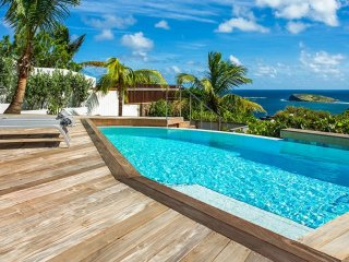 Villa Bonbonniere  ^ Ocean View - Located in  Fabulous Pointe Milou with Private
