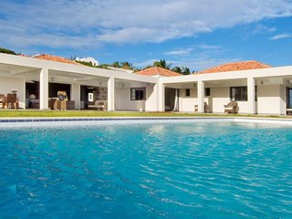 Villa Eden Rock 4 Bedroom SPECIAL OFFER (The Villa's Extensive Space, Bedrooms