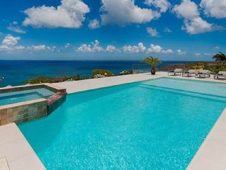 Villa Dreamin Blue  | Ocean View | Located in  Beautiful Happy Bay with Private
