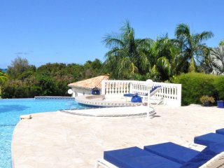Villa Cascades  GREAT REVIEWS Fully Serviced Book Now and Save